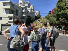 [Photo : San Francisco en famille, Lombard Street]