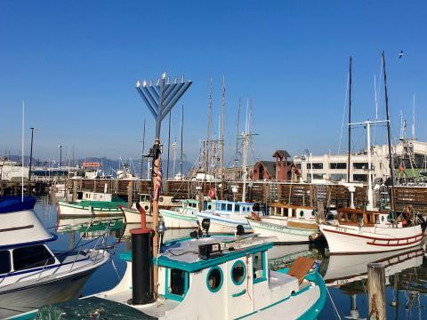 Photo : Bateau de pêche Hanukkah San Francisco